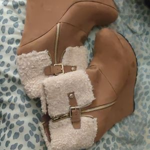 GUESS Booties! NEVER WORN